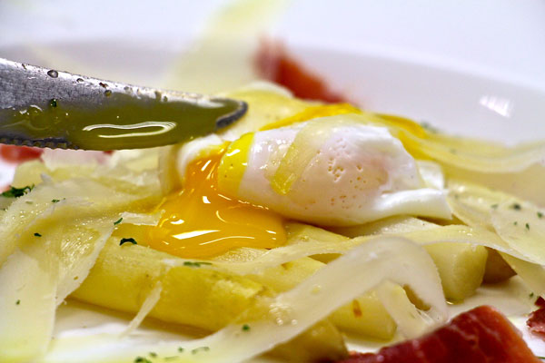 #ABCkitchen #egg #whiteasparagus