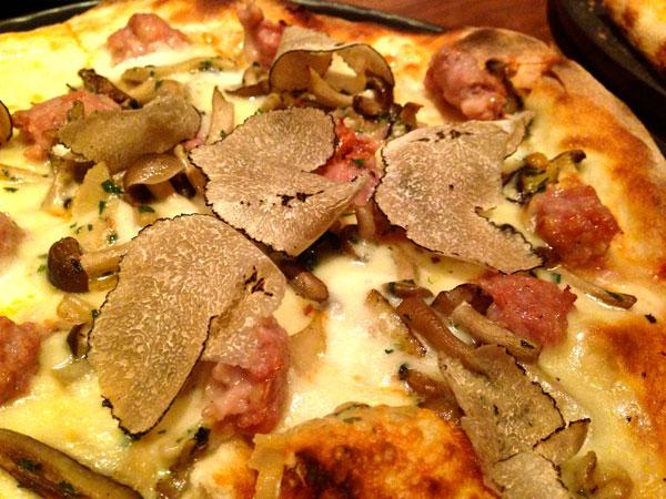 NOM truffle pizza