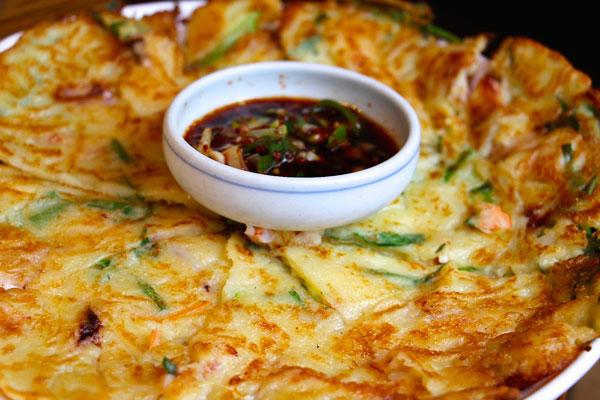 wangbijib korean bbq kimichi pancake