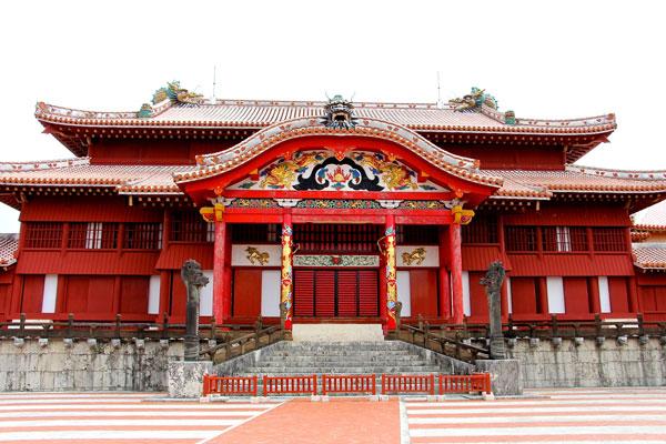 Okinawa travel food guide Shuri Castle