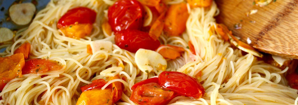 How to Make – 5 Minutes Tomato Garlic Pasta